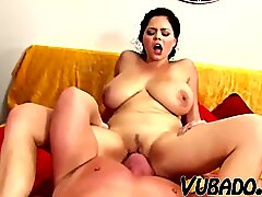 AMATEUR HOUSEWIFE LOVE MAKING !!