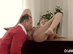 Old young doggy and daddy anal pain xxx Stranger in a yam-sized palace knows how to - Ellen Jess