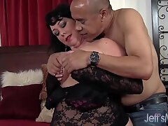 Heavyweight honey Alexis Couture satiates this man's pipe