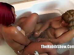 thickredxxx and golden lesbian lovers