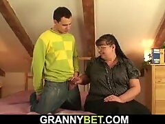 lucky guy picks up big boobs bookworm mature woman for pussy play